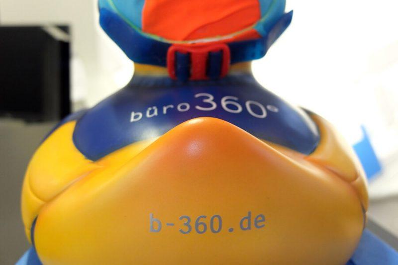 für das Team 360° ins kalte Wasser zu springen